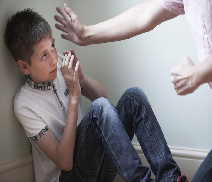 Bạo hành trẻ em là việc sử dụng những hành vi bạo lực thể chất và bạo lực tâm lý để gây tổn hại đến thể chất và tinh thần của trẻ em.