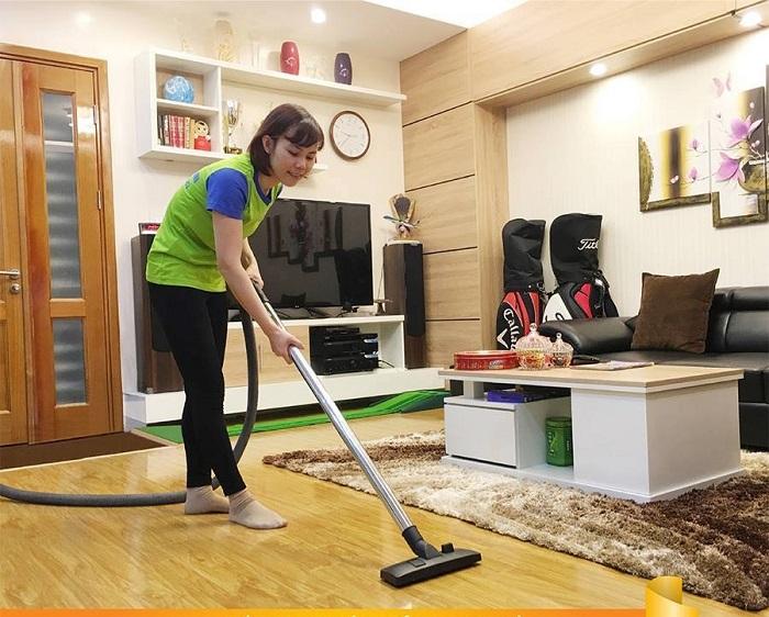 Người giúp việc ngày Tết sẽ giúp bạn chăm sóc con cái, dọn dẹp nhà cửa để bạn có nhiều thời gian sắm sửa đồ đạc cho gia đình.