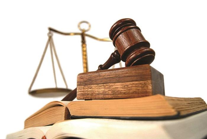 Người giúp việc bạo hành trẻ em có thể bị xử phạt hành chính theo quy định của pháp luật.